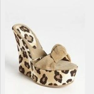 New Nelly Venture Wedge shoes animal print sz 6.5
